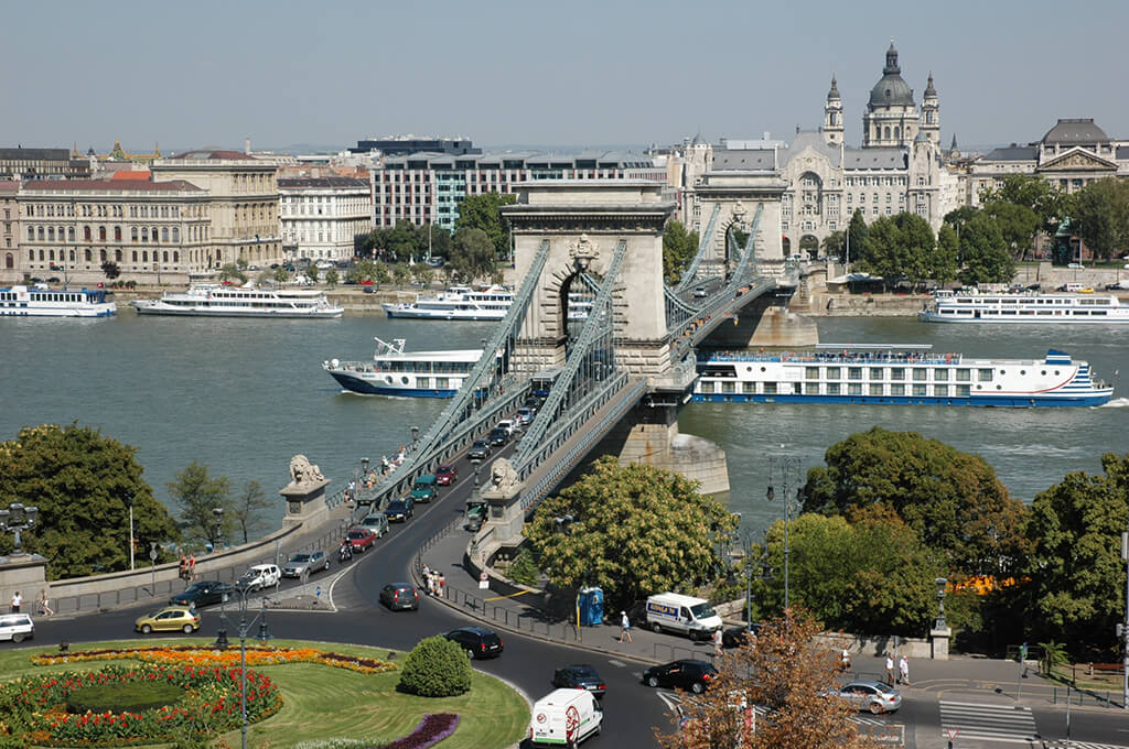 Why-Budapest-01